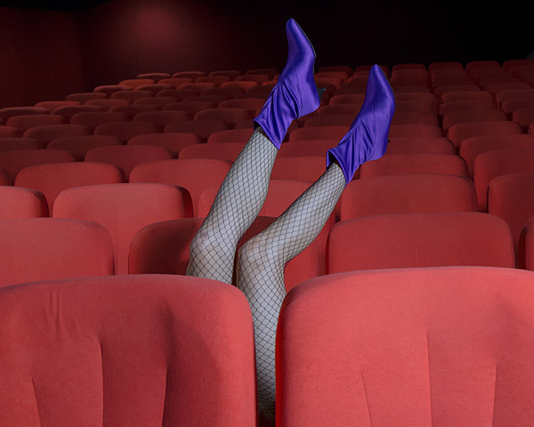 LEGS ON THE STAGE The latest editorial with our tights
