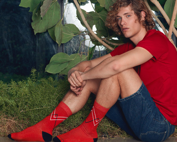 Funny Socks: Color-blocking and bold details for a new Man look